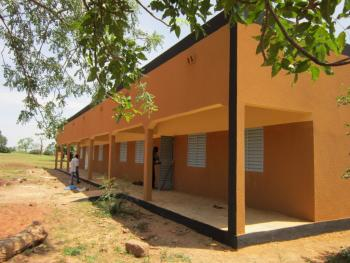 Newly constructed primary school in the village of Koeneba.
